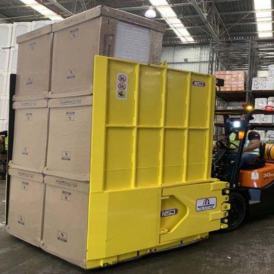 Garra hidráulica NSJ para movimentação de caixas e eletrodomésticos - Ideal para a movimentação de grandes volumes com segurança e impactante diminuição de avarias em caixas e mercadorias